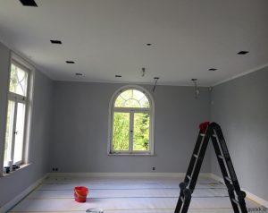 Måla tak inomhus